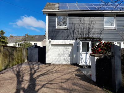 detached 3 bedroom house with garage - Redruth